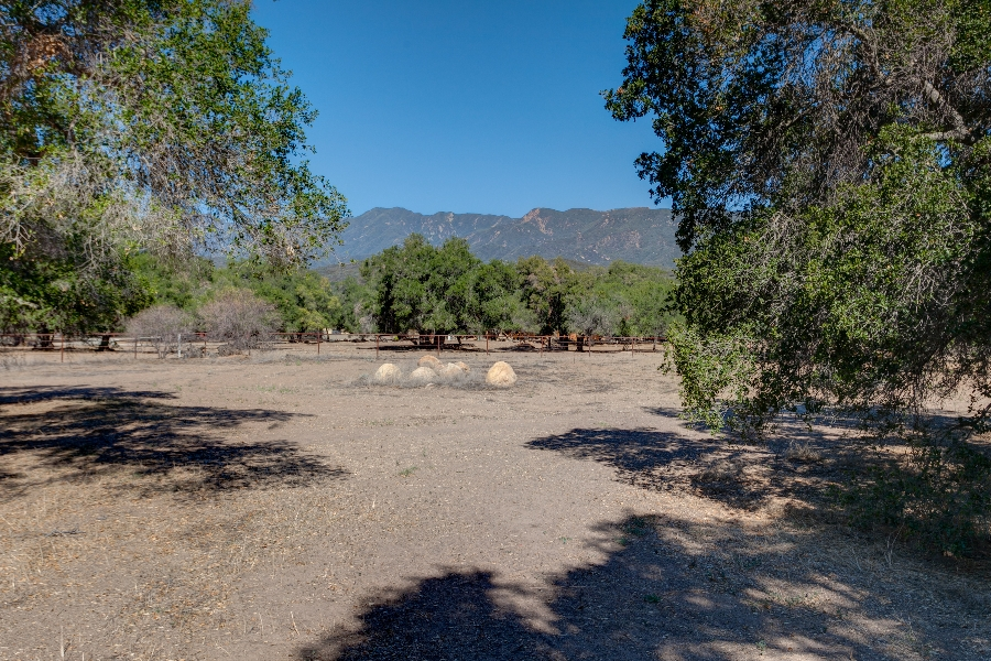 Home for sale in Ojai on 5 acres