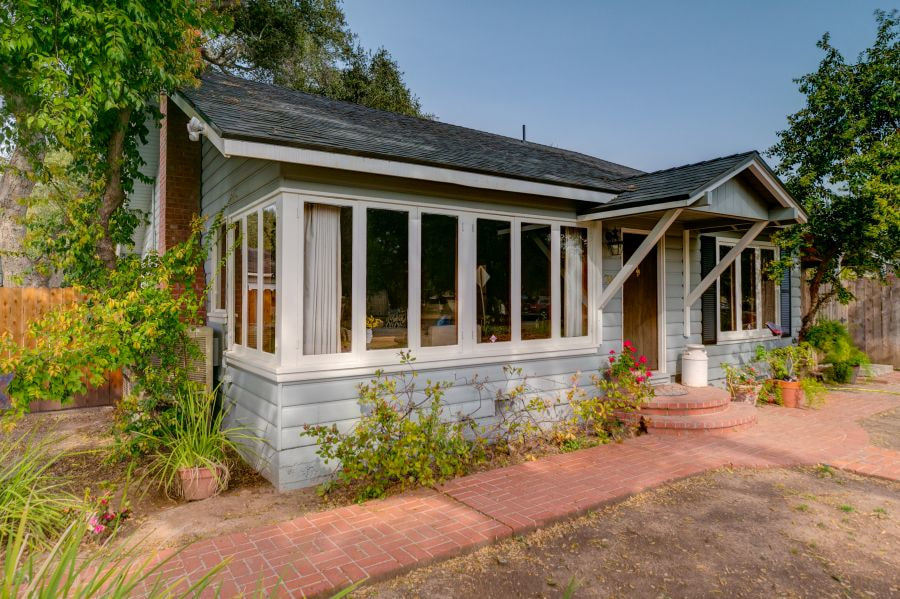 Meiners Oaks Cottage for Sale