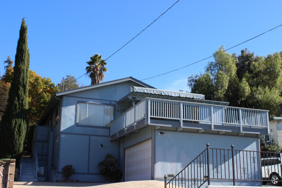 122 Olive Street Oak View CA