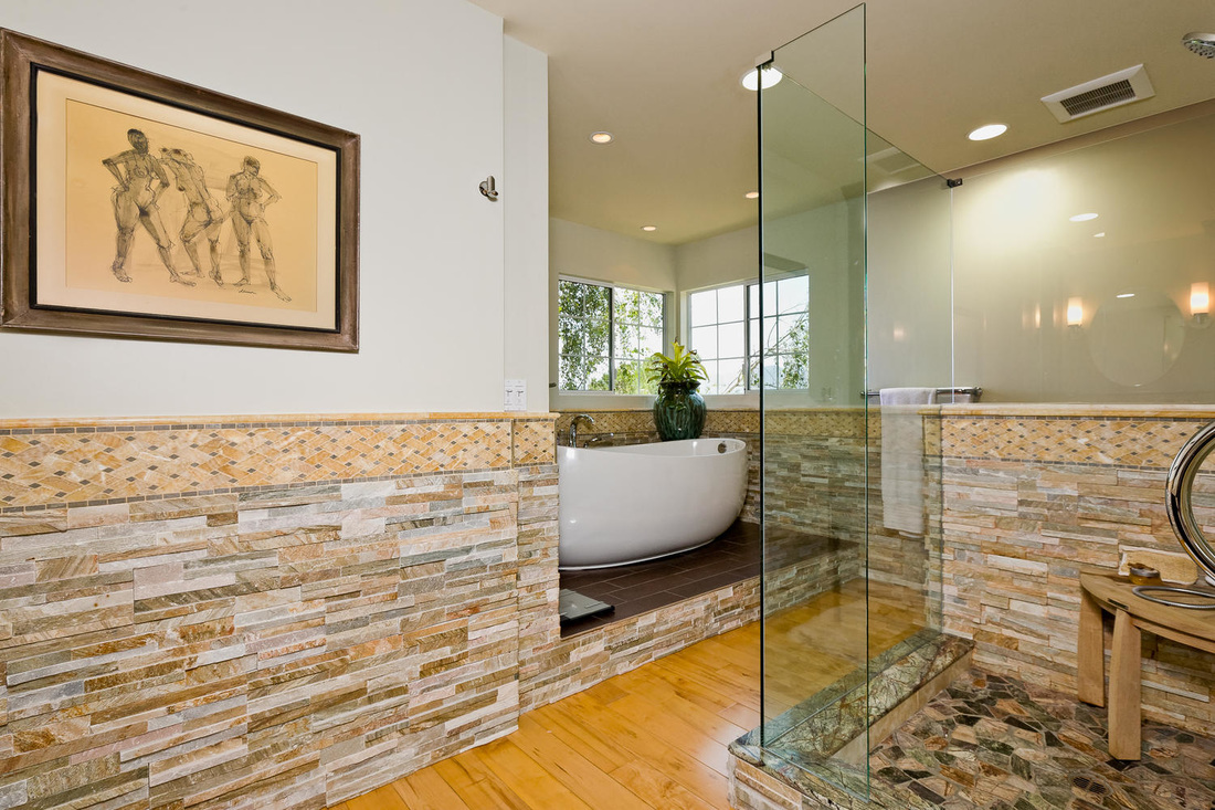 master bathroom in Ojai home for sale